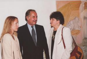 Carlos Fuentes y su esposa con Uva de Aragón, Miami 1989