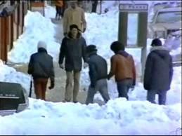 """El """"Súper""""  camina por las calles nevadas de Nueva York"""