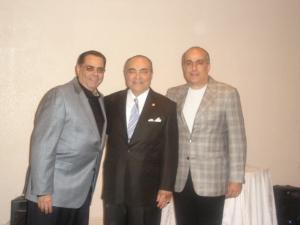 Roberto Roddríguez Aragón (centro) con sus sobrinos Fernando y Ernesto, Miami, Mayo 2007
