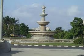 En camino al aeropuerto miraba fijamente todas las calles de La Habana para no olvidarlas jamás