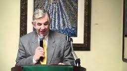 El Dr. Armando Cobelo, en la misma tribuna de la Casa Bacardi, , donde el 14 de agosto le rendimos tributo
