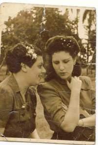 Sara y Uva Hernández-Catá, La Habana, circa 1941