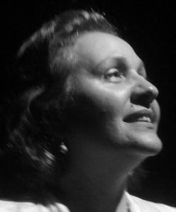 Soraya Siverio, Mención Ciencias Sociales egresada de la Universidad Católica Andrés Belllo (U.C.A.B.) en 1986