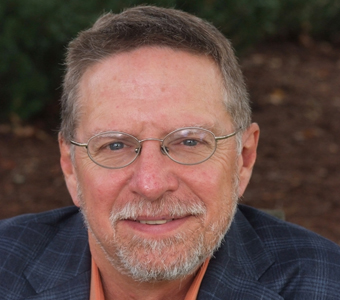 "Jeffrey C. Barnett, traductor the my novella ""Memoria del silencio"""