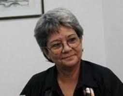 La escritora cubana Mirta Yañez