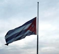 Bandera cubana a media asta