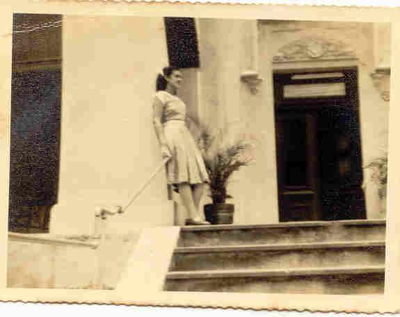 Mi prima Margarita Sosa de Aragón, en la casa de la Calle C donde vivía con su madre y abuela, circa 1951