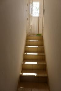 La escalera de servicio fue una de las cosas que me emocionó ver
