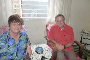 Con Jeffrey Barnet. Yo estoy sentada donde siempre lo hacía mi abuela y Mama Luya, el personaje de la novela