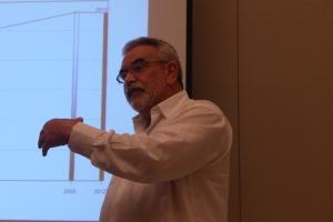 Antonio Aja, de la Universidad de La Habana, presenta las cifras demográficas de Cuba en la actualidad