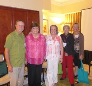 Jeffrey Barnett, professor y traductor; Uva de Aragón;Sara Cooper, editora de Cubanabooks; la novelista y académica cubana Mirta Yañez; y Bárbara D. Riess, profesora y traductora en un panel sobre la literatura cubana escrita por mujeres