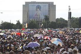 Cuando el Papa Francisco le pidió a los cubanos que meditaran, la Plaza quedó en silencio absoluto por unos segundos.