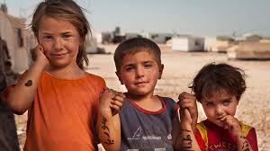 Niños sirios refugiados en campamentos
