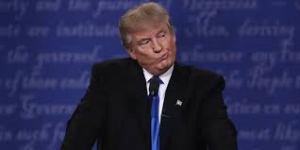 Donald Trump durante el debate presidencial con Hillary Clinton