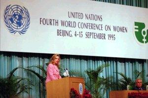 Hillary Clinton pronunció un discurso histórico en fefensa de los derechos de la mujer en Beiging en 1995