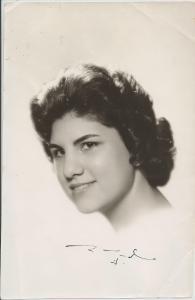 Fotografía tomada al cumplir 15 años, pocos días antes de salir de Cuba y pocas semanas antes de escribir la carta a continuación