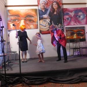 Una velada artística cultual en un centro comunitario en Santo Suárez