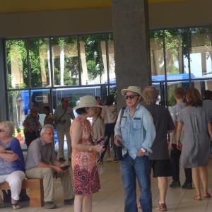 Turistas visitan el Museo Nacional de Arte
